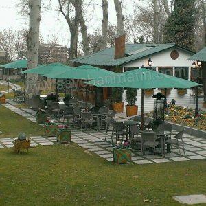 سایبان چتری برای رستوران و کافه